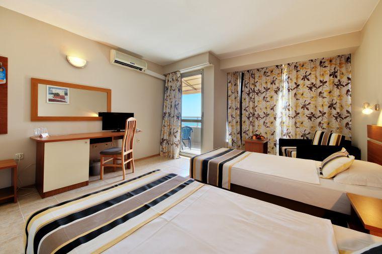 Hotel Excelsior, Goldstrand