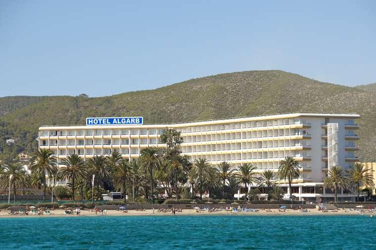 Algrab in Playa d'en Bossa, Ibiza
