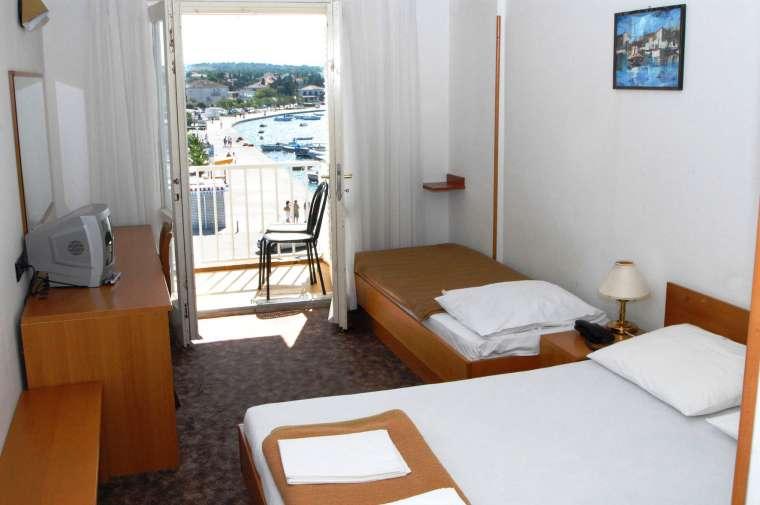 Hotel Loza, Novalja